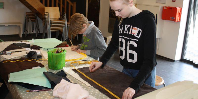 Leerlingen in actie tijdens NLDOET