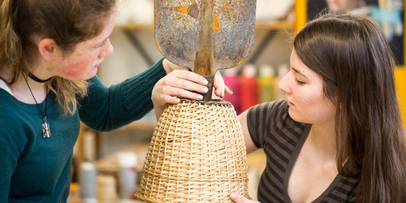 Leerlingen maken kennis met 'Assemblage  & Junk Art'