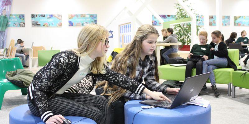 Groep-8 leerlingen vermaken zich prima tijdens open lesmiddagen