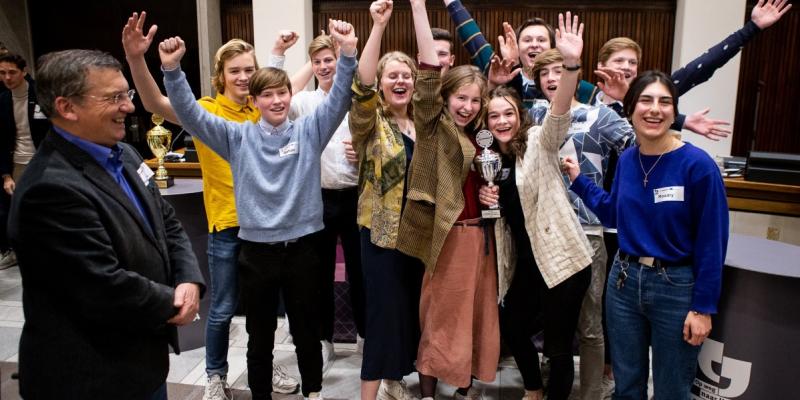 Debatteam met 2e prijs 'Op weg naar het Lagerhuis'