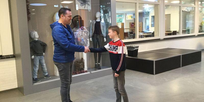 Thijmen wint prijs van het Vakcollege