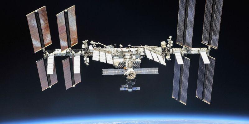 Thuisonderwijs? Gewoon experimenten doen vanuit de ruimte!