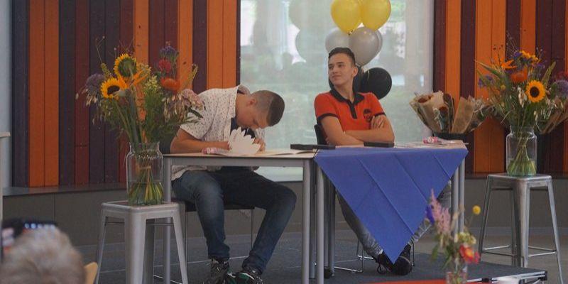 Diplomering examenkandidaten Groevenbeek Putten