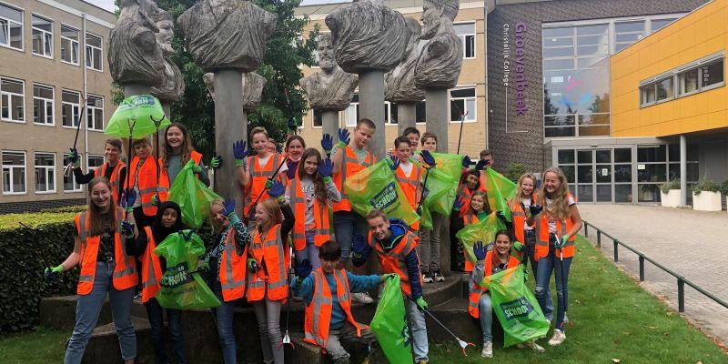 Leerlingen in actie i.v.m. World Cleanup Day