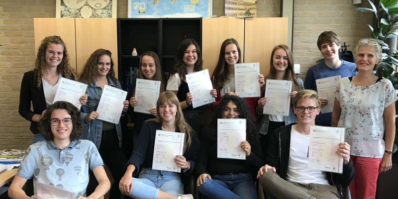 Leerlingen ontvangenCambridge diploma