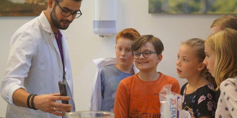Groevenbeek Putten bezoekt basisscholen